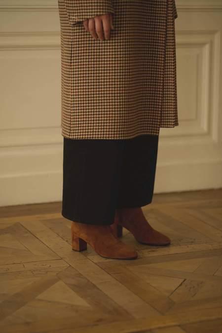 Anne Thomas Mimo Velvet Boot - Tan
