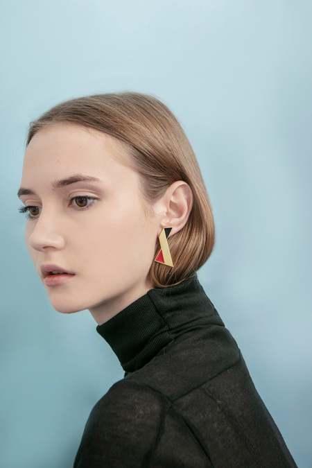 Matter Matters Twisted Earrings - Red/Black