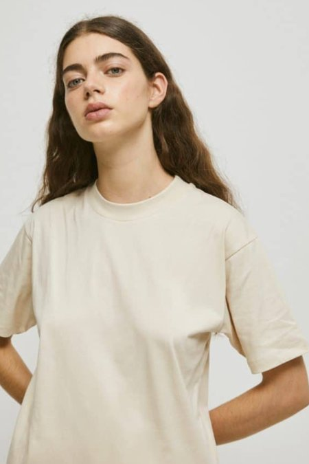 Unisex Rita Row Luisa Organic Cotton T-shirt - Beige