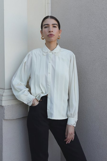 Dear Society Vintage Cream Lace Collar Blouse - OFF WHITE