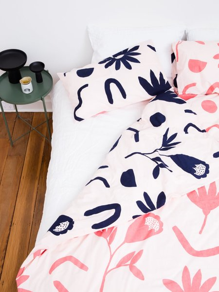 Mosey Me Floral Dreams Standard Pillowcase Set - Ink/Musk