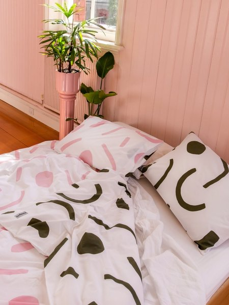 Mosey Me Shapes Standard Pillowcase Set - Pink/Olive