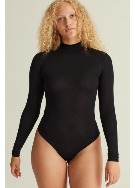 Woron Sexy & Slim Sleek Body- Black