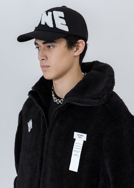 we11done Embroidered Patch Logo Cap - Black
