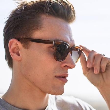 Pala Eyewear Vrede sunglasses - Walnut Bio