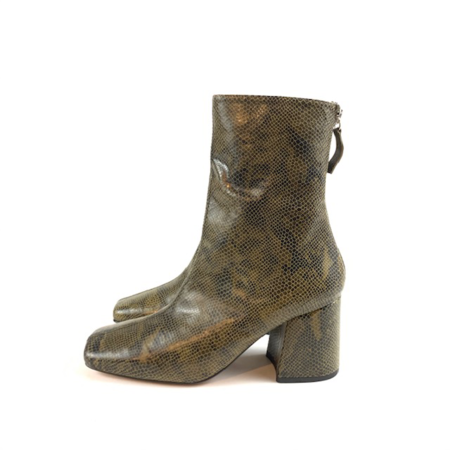 About Arianne Nico Boots - Green Snake