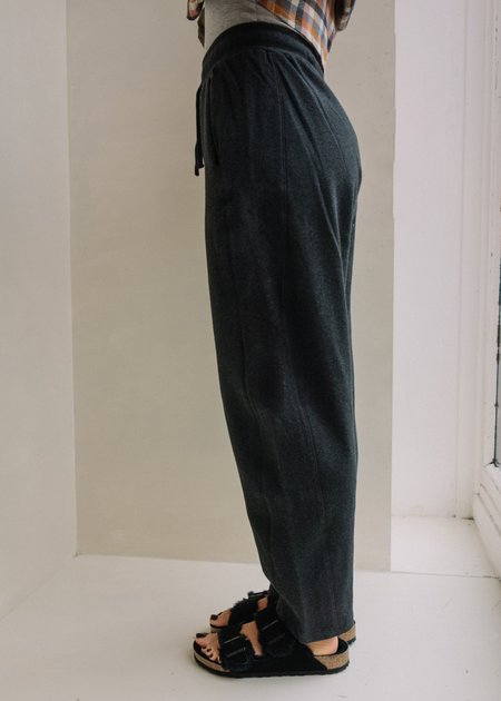 Kowtow Linear Sweat Pant - Charcoal