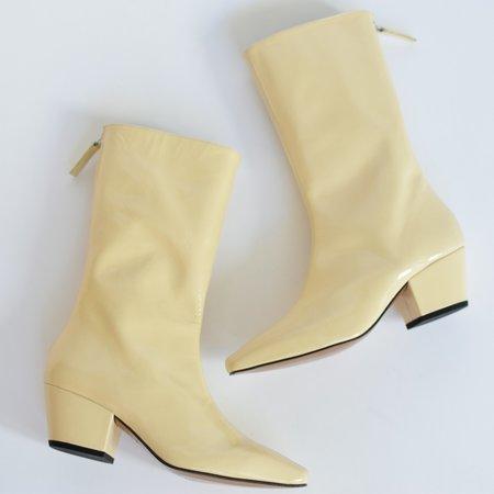 About Arianne Myrtle Boots - Pergamena