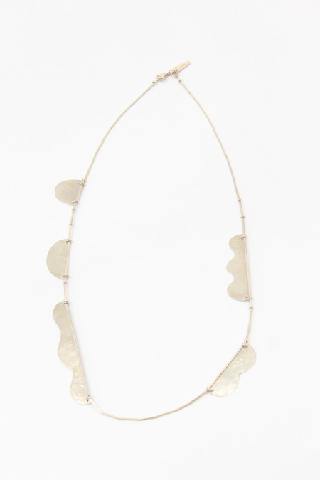 Annie Costello Brown Hammered Shapes Scallop Necklace - Silver