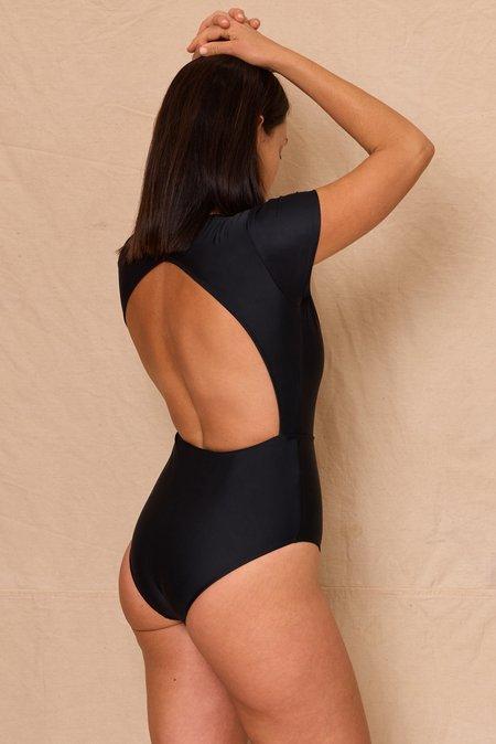 Hakea Chacahua Surf Suit - Black