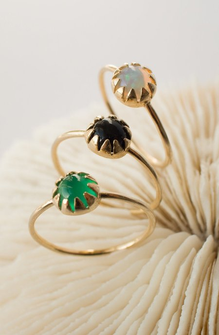 MEREWIF MOON RAY RING - gold plated brass/GREEN ONYX