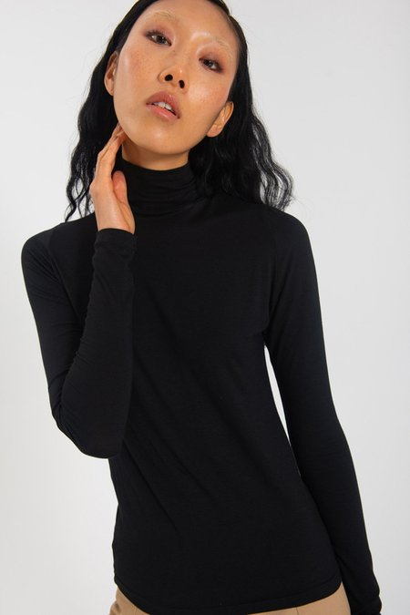 Limb The Label Classic Skivvy Top - Black
