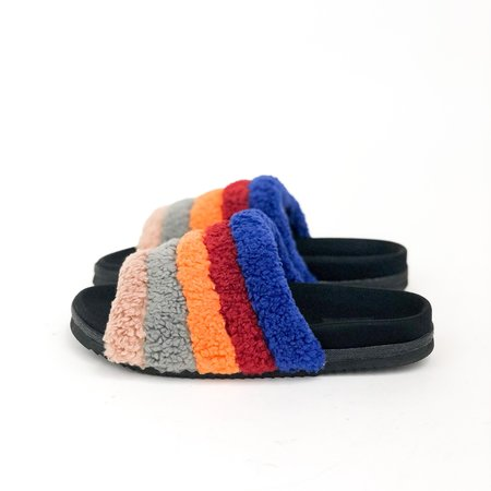 Roam Fuzzy Slippers - Rainbow