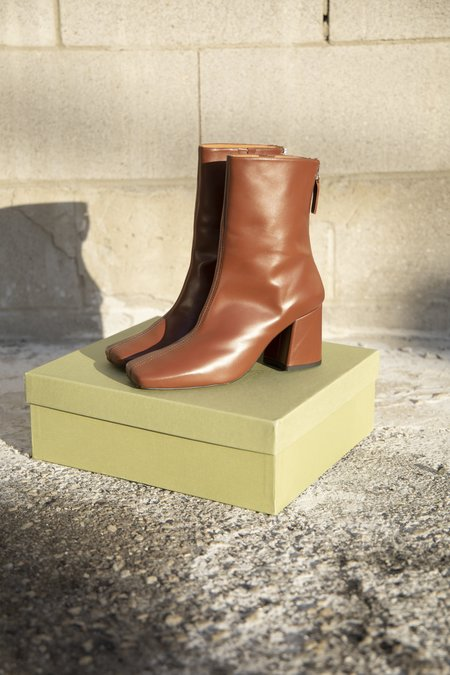 About Arianne Nico Boots - Chestnut