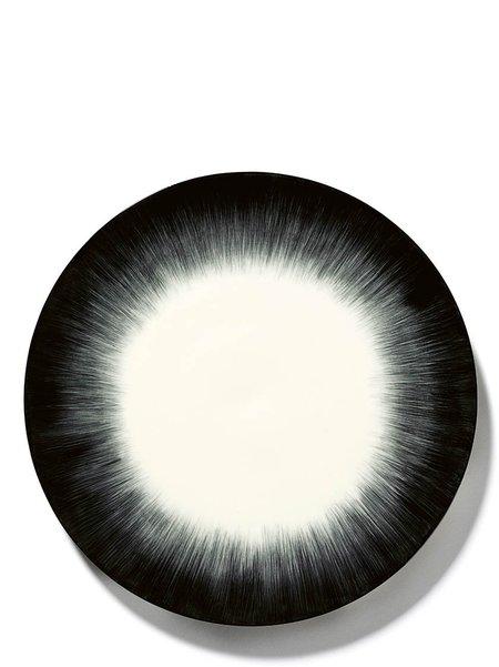 Off-White Black Plate 24 cm Var 5