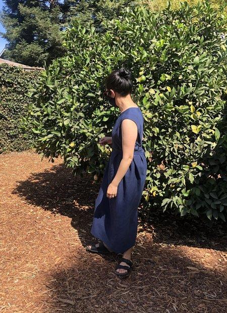 KAAREM Sài Sleeveless Side Tie Dress - Dark Blue