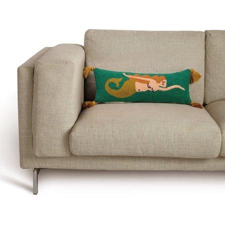 Handicraft Mira with Tassels Hook Pillow