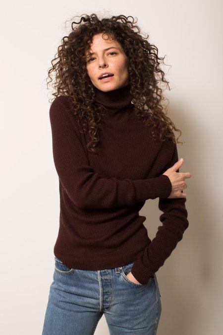 Vintage Ribbed Turtleneck Sweater - brown