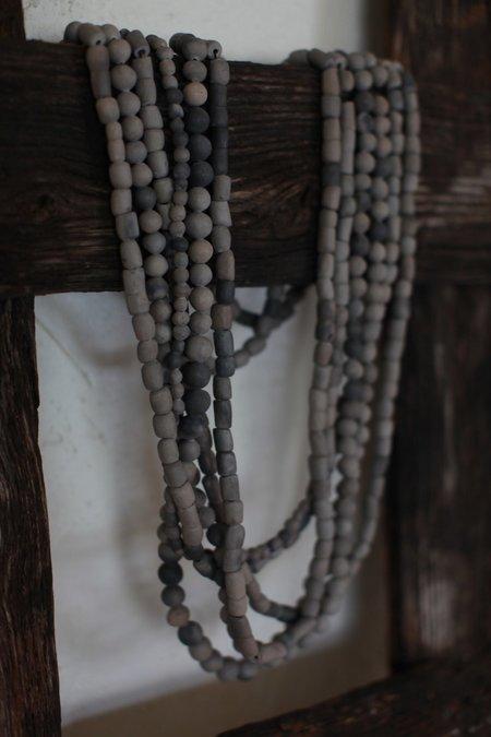 August Etta Barro Negro Beads
