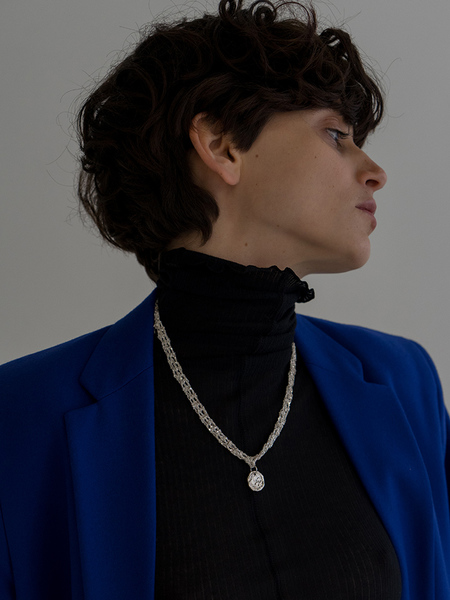 Arielle de Pinto Single Currency Necklace