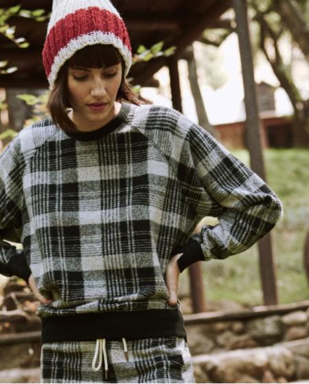 The Great. The College Sweatshirt. - Black Lumber Plaid