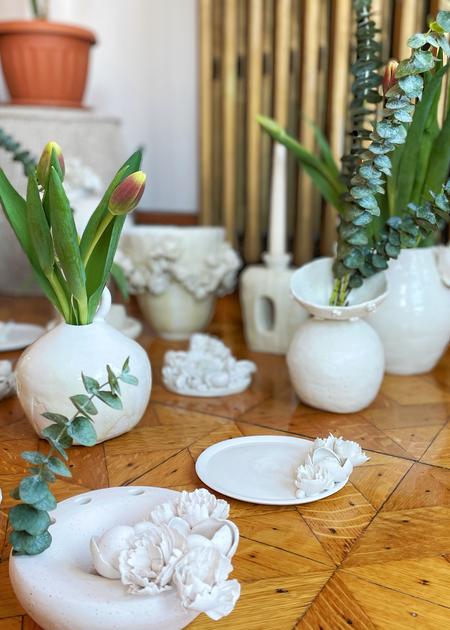 Dear You Ceramics Ball vase - white