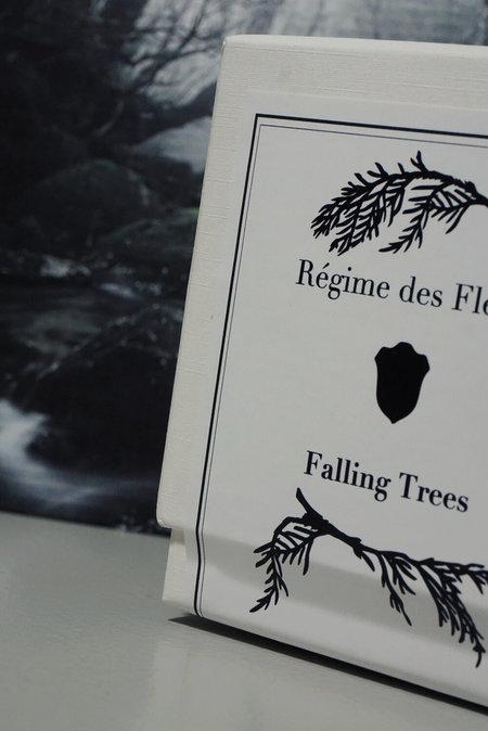 Régime Des Fleurs Falling Trees Perfumed Candle