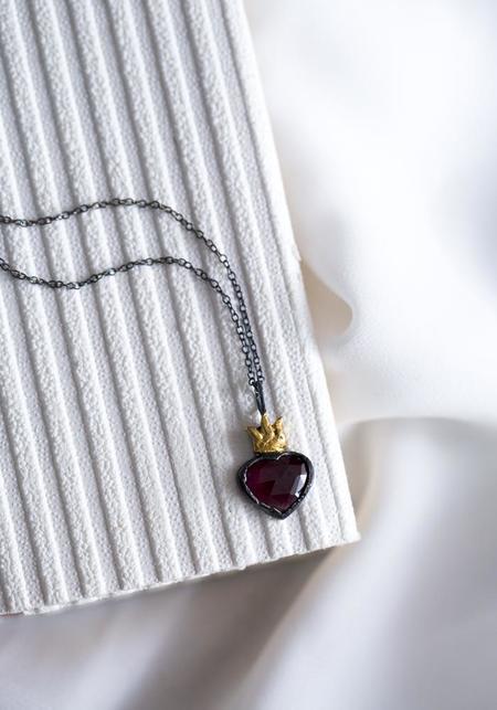 Acanthus Sacred Heart Necklace - Gold/Silver/Garnet
