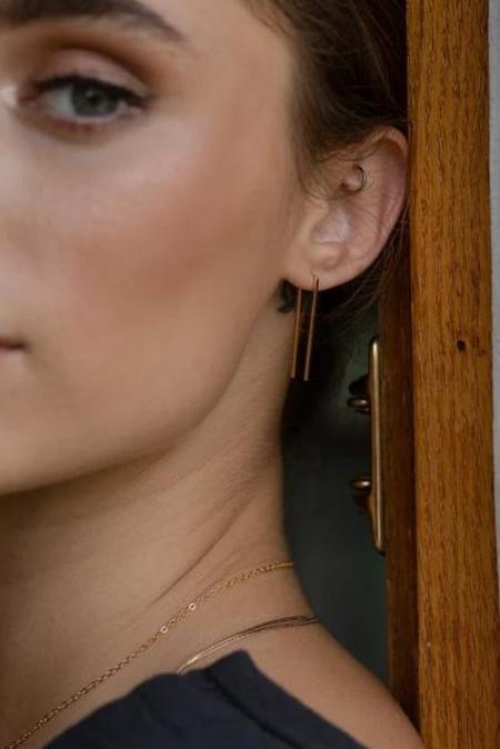 Token Staple Earrings - Gold