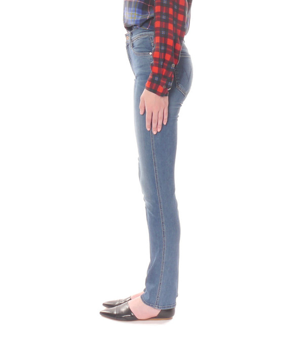 Mother Denim The High Waisted Rascal in Famous Heroine