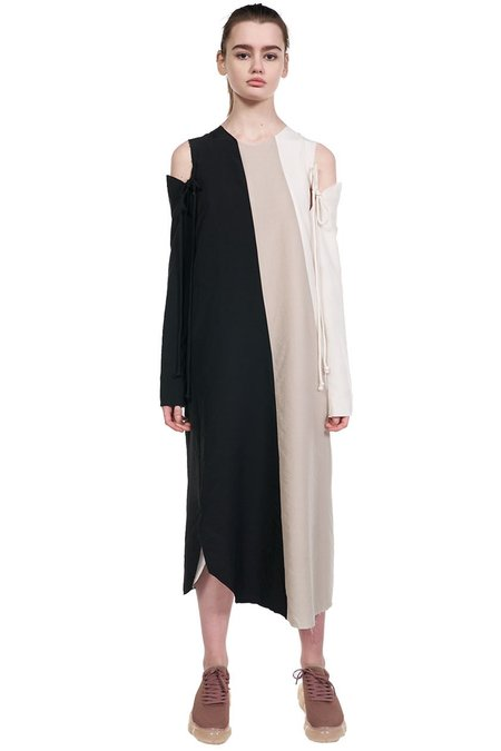 Song for the Mute Panelled Twisted Dress - White