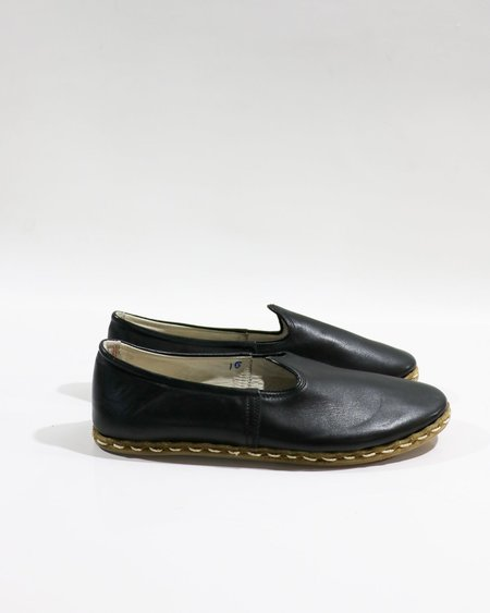[pre-loved] Sabah Classic Slip On - Black