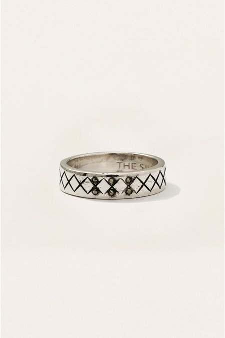 The Silver Stone CROSSHATCH RING