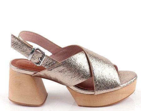 AoverA Jade Platform sandal - Gold