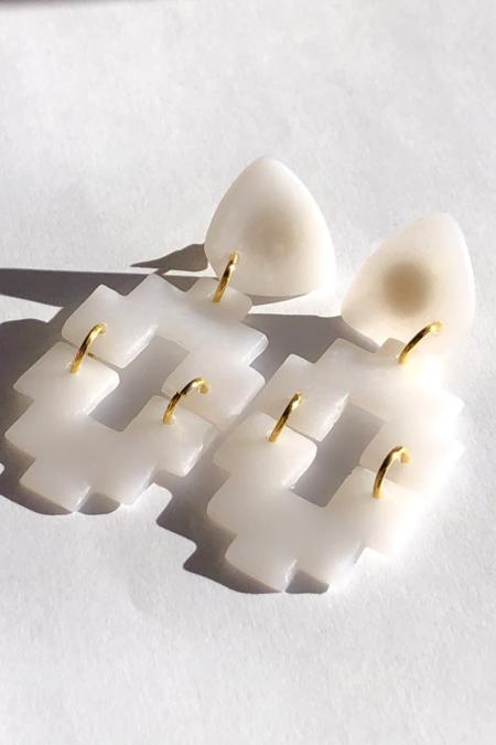 Elizaberry Adobe Clear Drop Earrings -  White