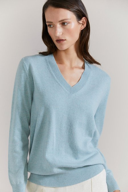 Laing Home The Essential Cashmere V-Neck sweater - Misty Jade