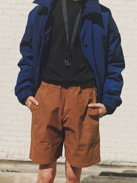MAN-TLE R10 Easy Shorts - Soil Wax