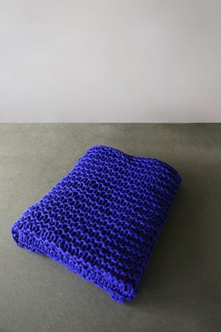 Oyuna Lapis Chunky Hand-knitted Throw - Ultramarine