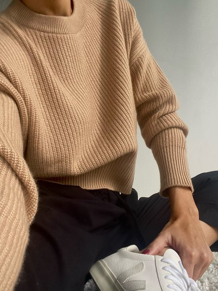 Parentezi Crew Neck Pullover Cashmere - Caramel