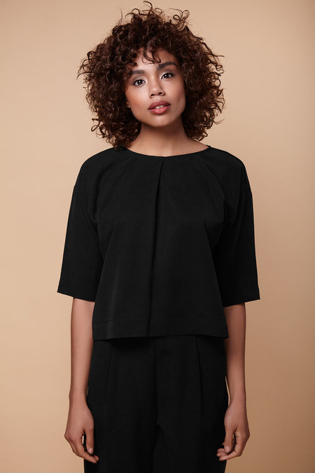 Amanda Moss - Townie Shirt (Black)