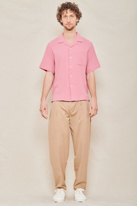 A Kind of Guise Pleated Wide Trousers - DRY SAND