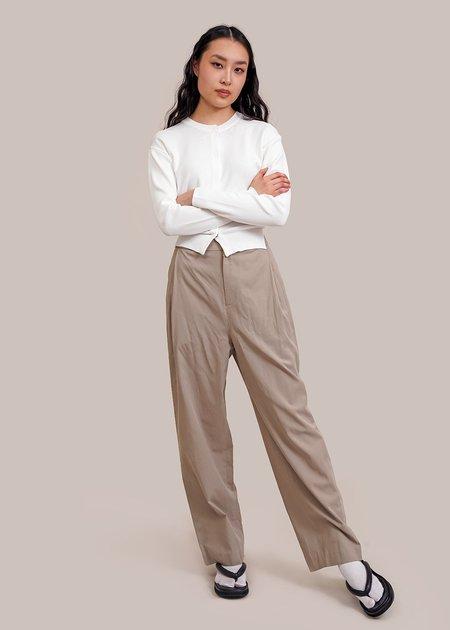 AMOMENTO Wide Tuck Pants - sage green