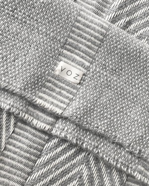 VOZ Chevron Wrap - Grey / White
