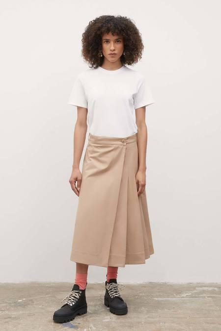 Kowtow Vista Skirt - dune