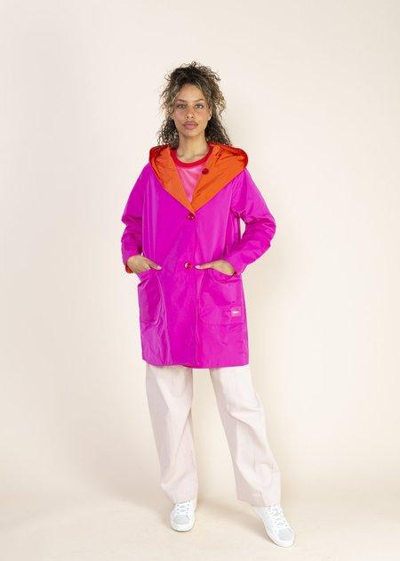 OOFWear Reversible Memory Rain Jacket - fuschia/orange