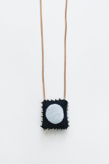 See Real Flowers Full Moon Necklace