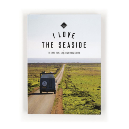 """""""I Love The Seaside"""" Travel Guide Book"""