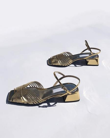 Suzanne Rae Low 70s Sandal - Gold