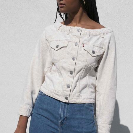 GANNI x Levi's Off Shoulder Printed Denim Jacket - Nature