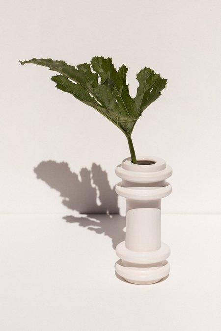 Severj Studio Totem 1 vase - Crisp White